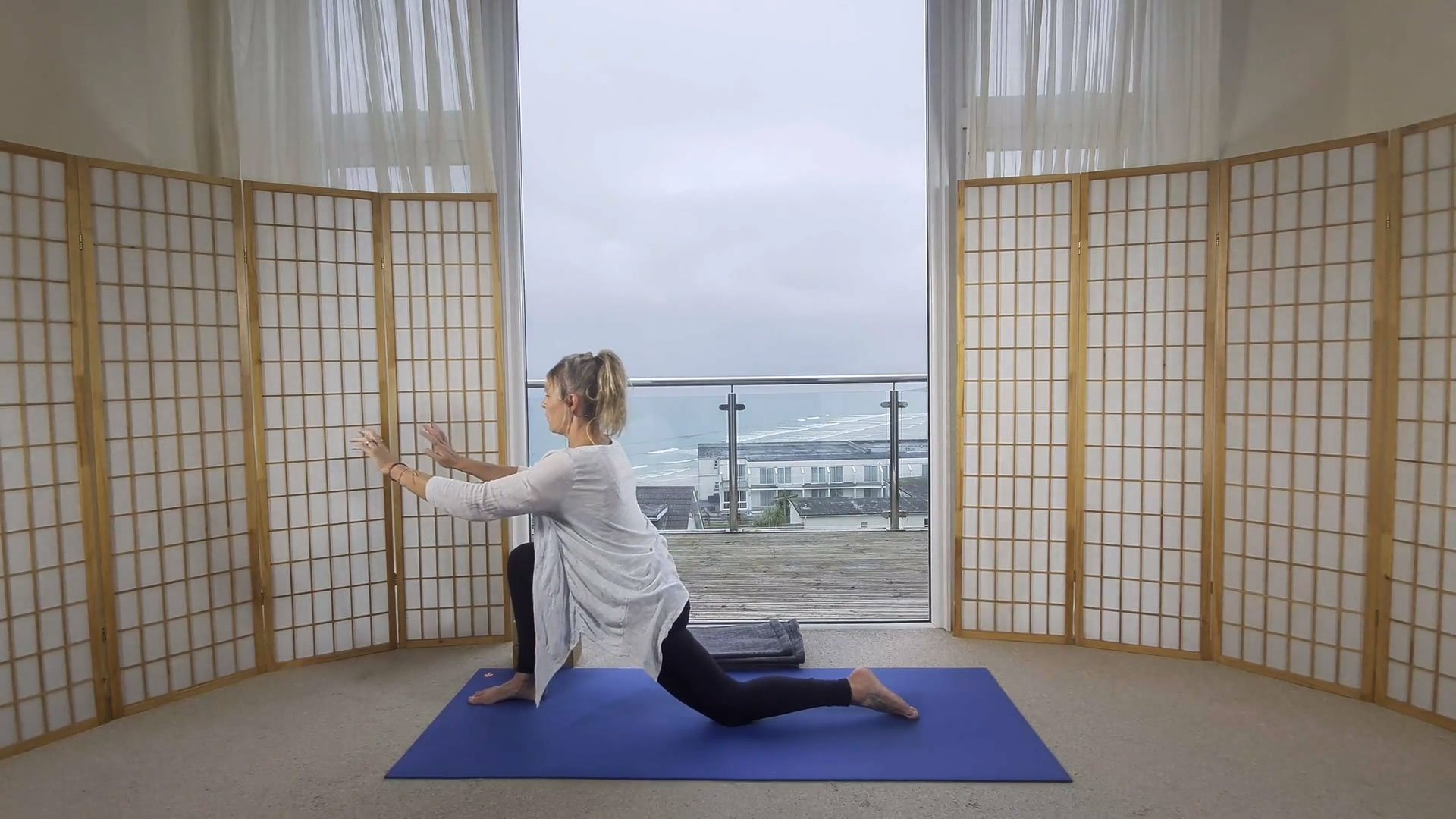 slow flow beginners yoga online on demand class go with the flow