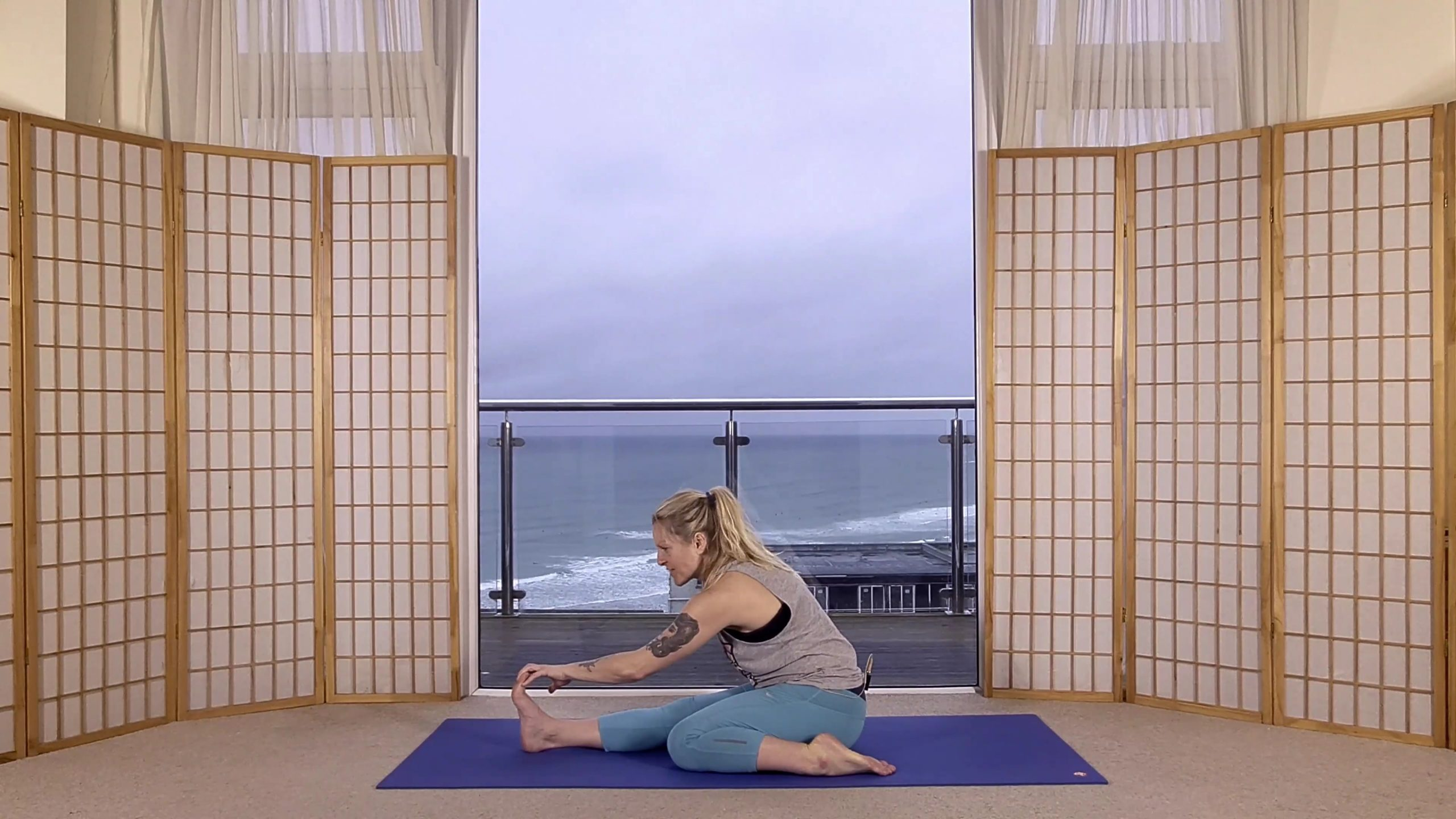 oceanflow anywhere yoga stretch grounding motivation online