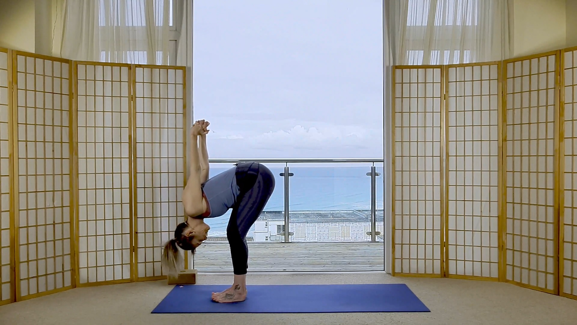 oceanflow anywhere on demand sunrise yoga balance
